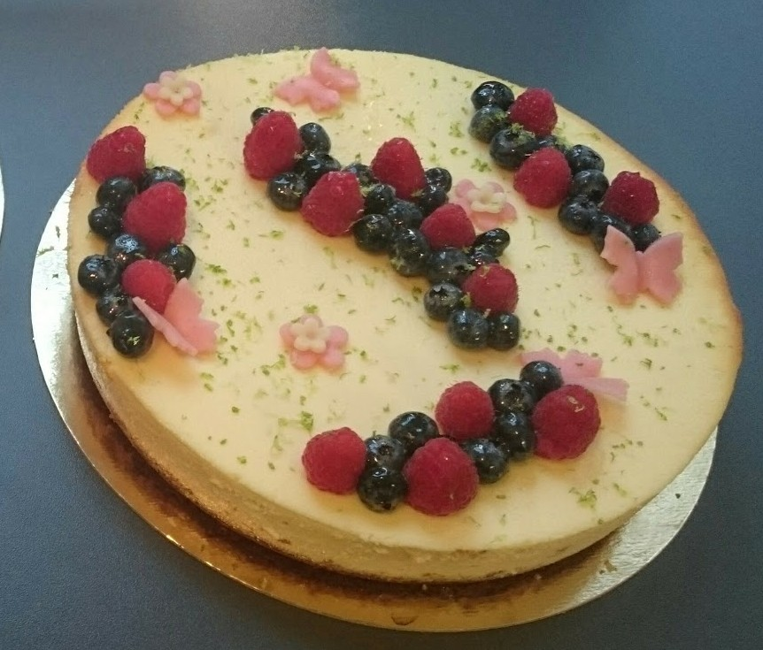 New-York cheesecake aux fruits rouges et citron vert, fond spéculoos (10 parts)