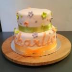 gâteau de baptême à fleurs