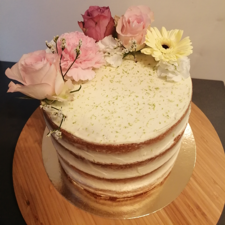 Naked cake aux fruits exotiques, mousse au citron vert façon cheesecake